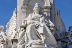 queen victoria statue - london